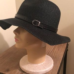 Black fashion hat with buckle